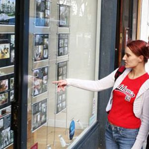First-time buyers cash in on slowing landlord market – MAB index