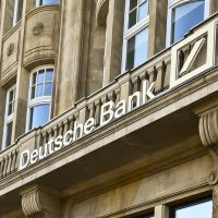 Deutsche Bank receives record £163m fine over Russian money transfers